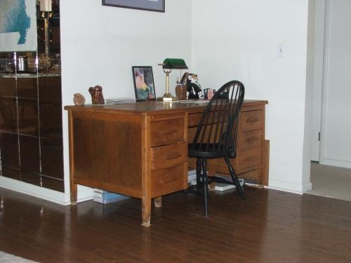 13-january-2008-desk.jpg